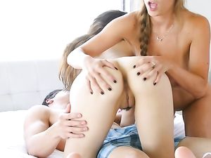 Perfect Tits Make Fucking Teenage Girls So Much Fun