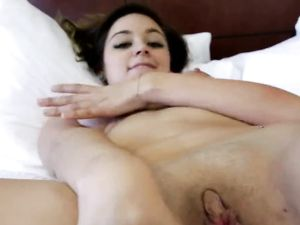 Sweetheart Takes Money To Fuck In His Hotel Room