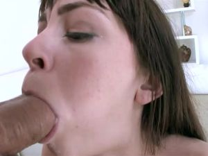 Shaved Pussy Of A Brunette Gets Pounded