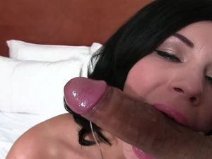 Seductive Bendy Shaved Girl Gets Penetrated Hard