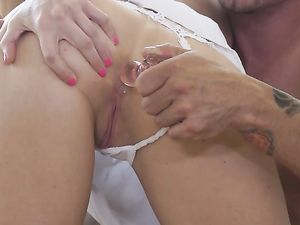 Leggy Brooke Logan Is Eager For Erotic Anal Sex