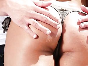 Pleasing A Bikini Girl With A Massage And His Cock