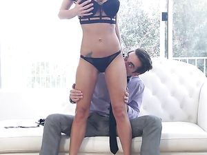 Sexy Real Estate Agent Sells The House With Her Cunt