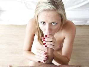Cock Worshiping Blonde Teen GF Rides His Thickess