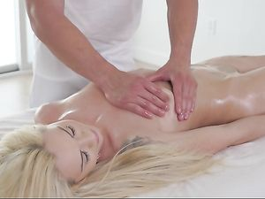 Elsa Jean Aroused By A Massage And Fucked Hard